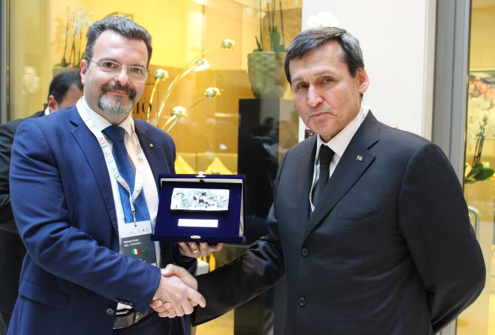 Foto 3 - Dr. Caputo e  Ministro degli Affari Esteri del Turkmenistan Rashid MEREDOV 2
