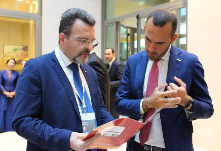Foto 5 - Dr. Caputo illustra i programmi IDA al Sottosegretario Di Stefano